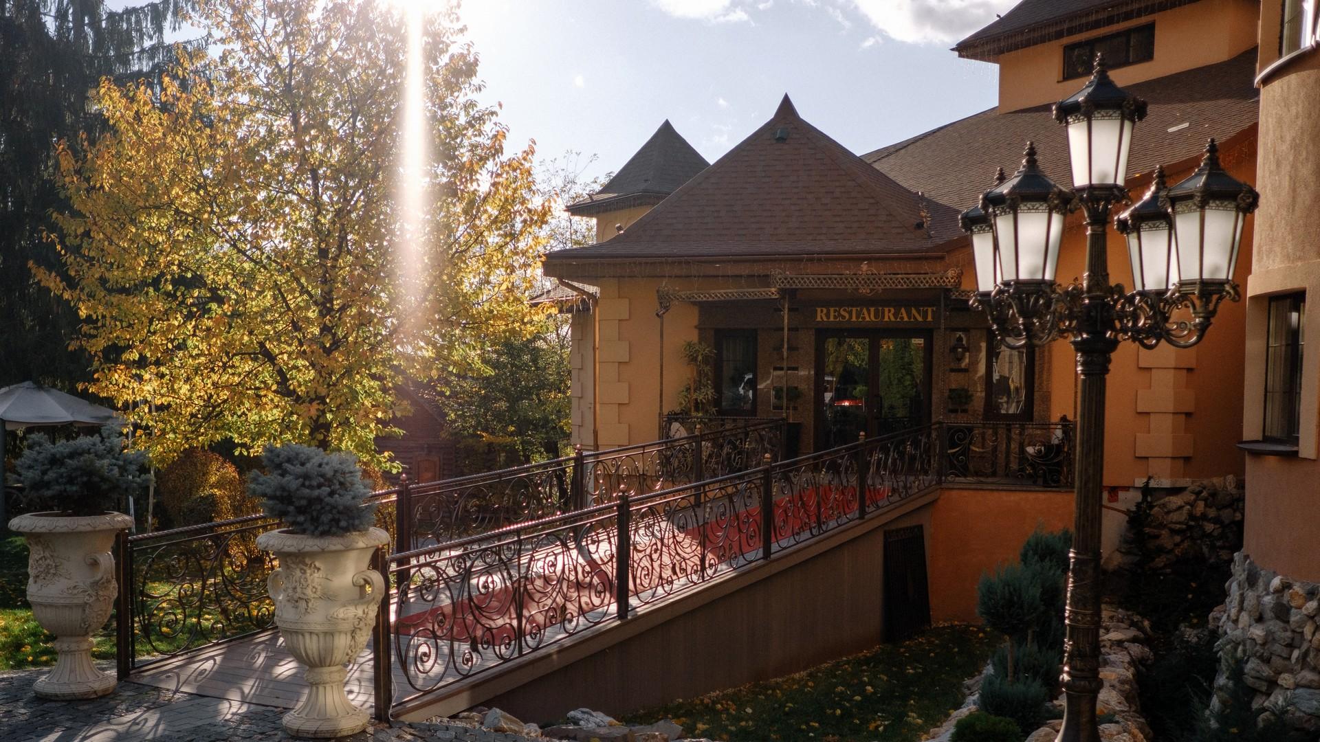 5836f72dc Ресторан «Камелот» Ужгород: банкетный зал, ресторан для свадьбы ...